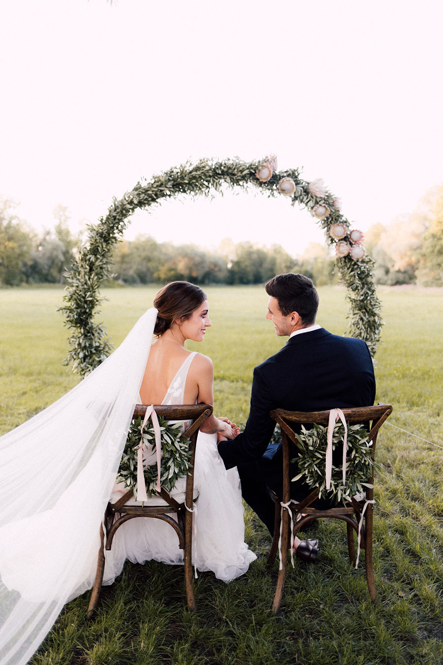 Olivenzweige für die Hochzeitsinspiration