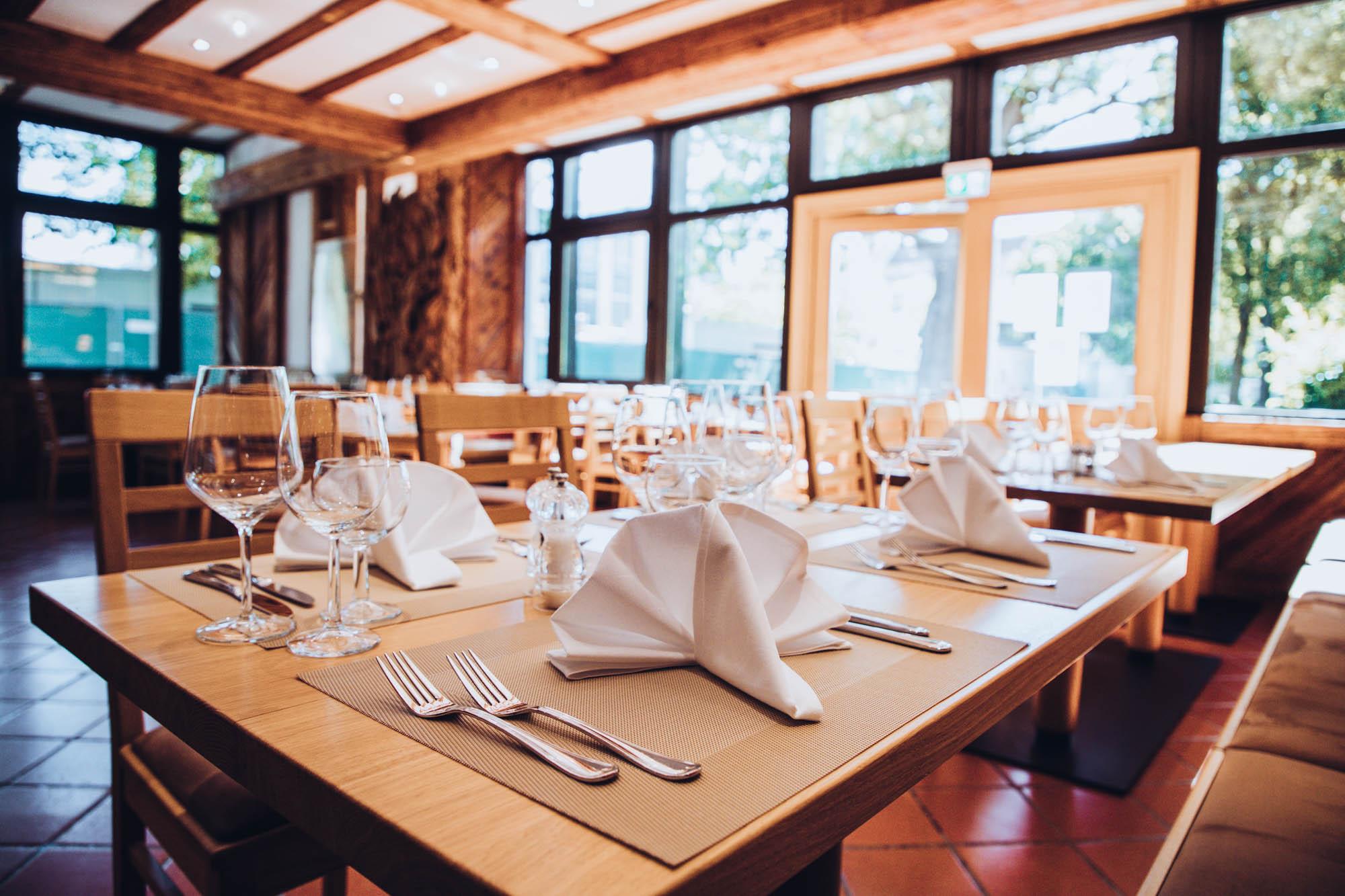 GAVESI Restaurant pureCUISINE mit Biergarten in Eching