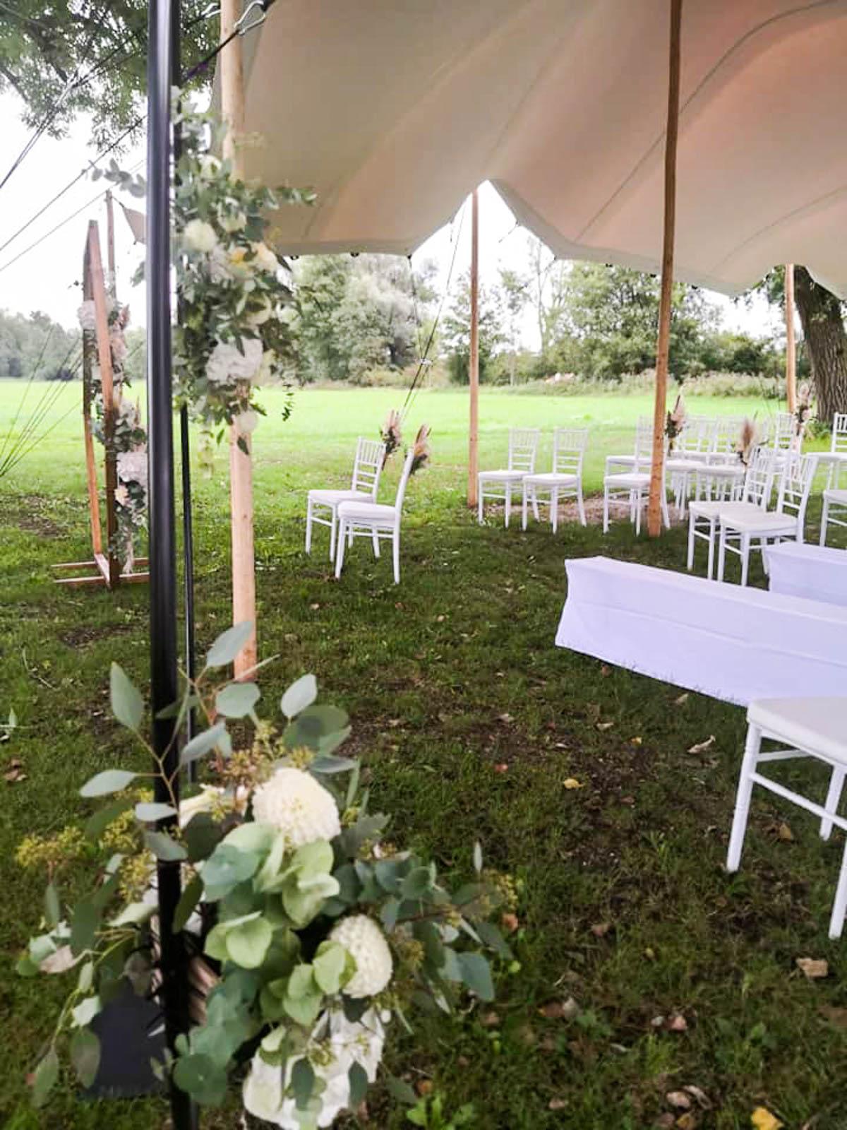 Stretch-Zelt für die Outdoor-Hochzeit